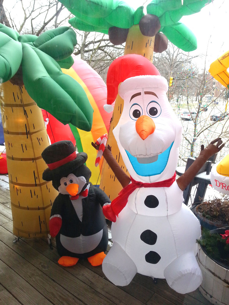 B&B front Olaf blowup Christmas 2014